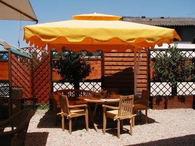 Ombrelloni in alluminio mobili da giardino a roma produzione e vendita ombrelloni in - Vendita mobili da giardino roma ...